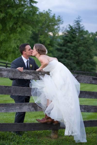 Silverbrook_Farm_Viriginia_Country_Chic_Wedding_Margarita_Dussan_Photography_21-lv
