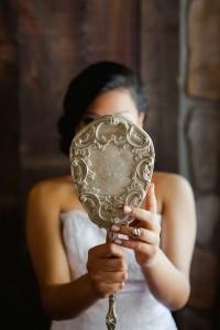 Vintage_Rustic_Wedding_Bridal_Session_Sophie_Asselin_Photographe_34-v