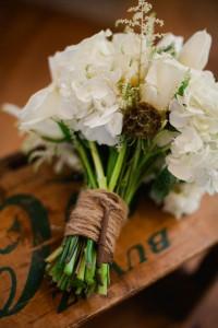 Vintage_Rustic_Wedding_Bridal_Session_Sophie_Asselin_Photographe_39-v