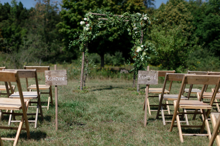 Rustic Boho Chic Wedding Filled With Wild Flower Love & A Barn Perfect For Dancing | Photograph by Dan and Melissa Photography