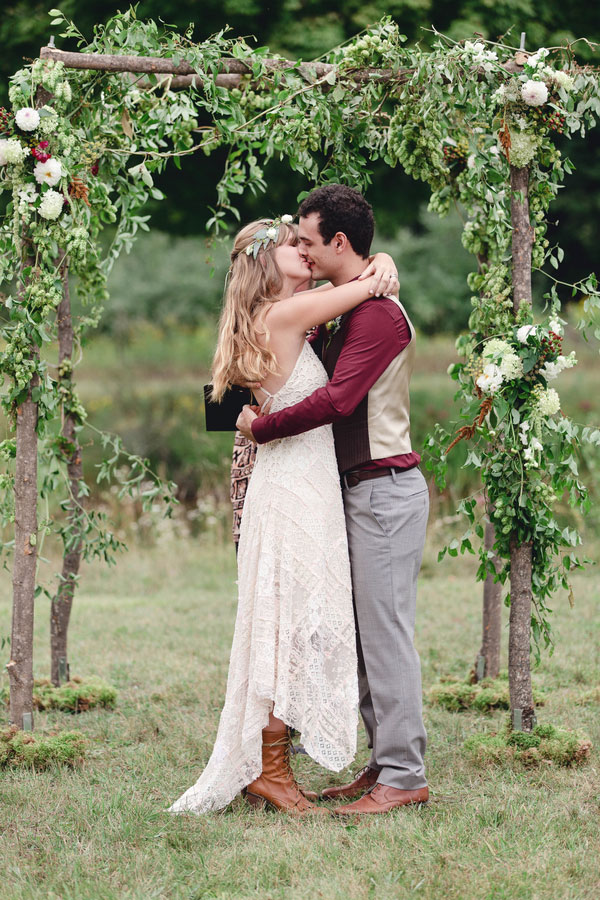 Rustic Boho Chic Wedding Filled With Wild Flower Love & A Barn Perfect ...