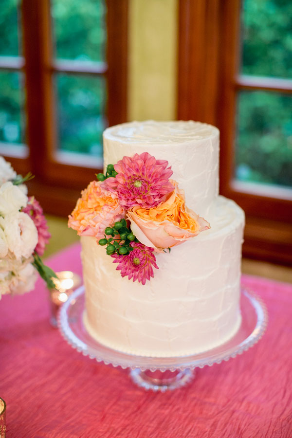 Vibrant Southern Wedding In Bold Coral & Orange Along The Banks Of The Ashley River | Photograph by Studio 1250