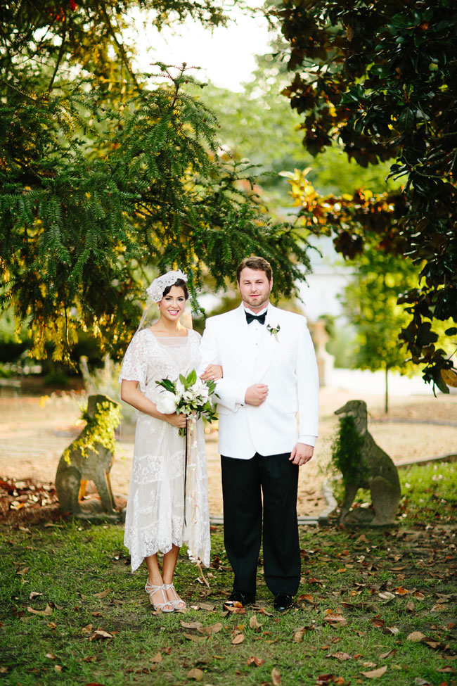 Vintage Southern Glamour In This Retro 1920s Infused Wedding Under The Open Skies | Photograph by Elle Puckett Photographer