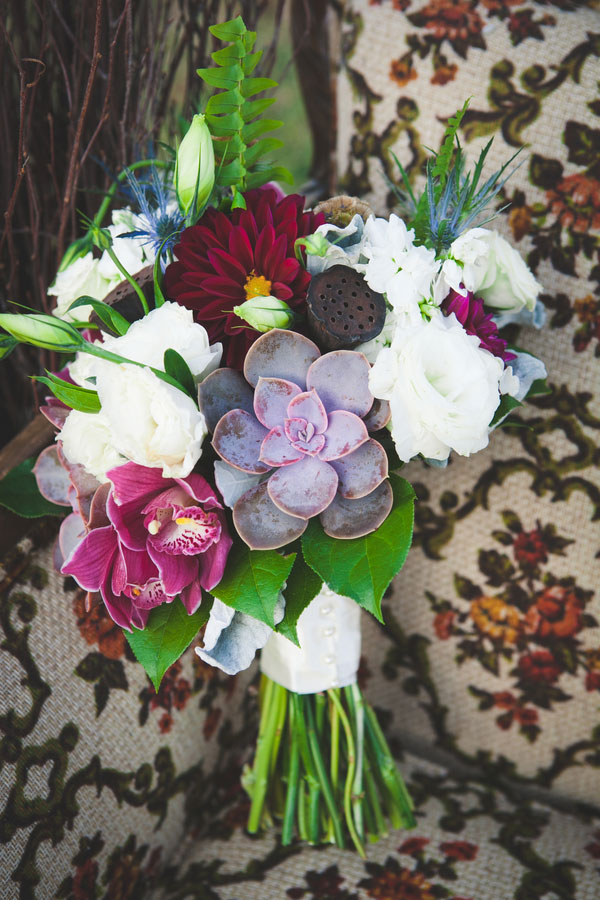 Victorian Inspired Fall Wedding In Deep Hues Featuring Vintage Line Drawing Art | Photograph by Rebecca Keeling Studios  https://www.storyboardwedding.com/victorian-inspired-fall-wedding-deep-hues-vintage-line-drawing-art/