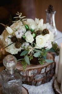 Winter White Rustic Chic Flowers With An Earthy Organic Feel & Pops Of Cotton | Photograph by Sophie Asselin Photographe  http://www.storyboardwedding.com/why-it-works-wednesday-winter-white-rustic-chic-flowers-season/