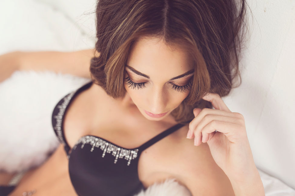 Sensual Classic Boudoir With A Natural Beauty In Downtown Albuquerque   Photograph by  Liz Anne Photography   https://storyboardwedding.com/classic-boudoir-downtown-albuquerque/