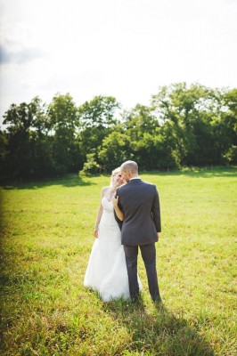 Country Sweet Illinois Wedding On A Sprawling Family Farm With Outdoorsy Touches | Photograph by Rachael Schirano Photography