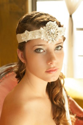 Kata Banko Couture Bridal Accessories | Photograph by La Candella Weddings  http://storyboardwedding.com/bridal-accessories-kata-banko-couture/