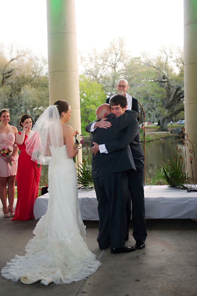 New Orleans City Park Modern Wedding In Mixed Pink Hues | Photograph by Pure Sugar Studios  https://storyboardwedding.com/new-orleans-city-park-modern-wedding-pink-hues/
