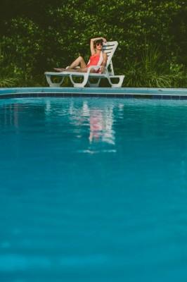 Retro_Swimsuit_Honeymoon_Inspiration_Carolyn_Scott_Photography_11-rv