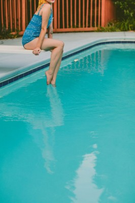 Retro_Swimsuit_Honeymoon_Inspiration_Carolyn_Scott_Photography_4-lv