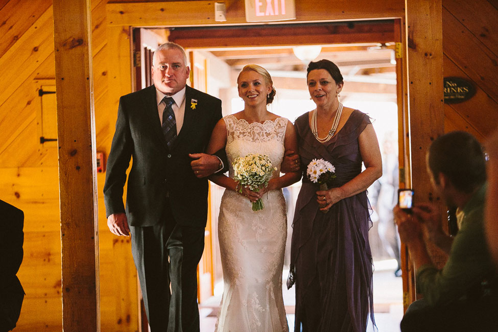 Spirit & Essence of Yosemite National Park Infused Into Rustic Red Lion Inn Massachusetts Wedding | Photograph by Zac Wolf Photography  https://storyboardwedding.com/yosemite-national-park-rustic-red-lion-inn-massachusetts-wedding/