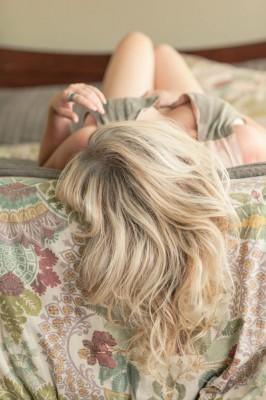 Sunday_Morning_Hotel_Boudoir_Ashley_Noelle_Photography_15-rv
