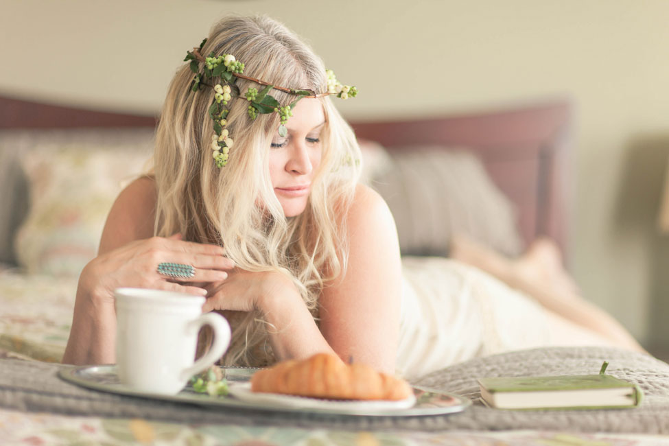 Sunday Moment Boudoir In A Dreamy Storytellers Vision | Photograph by Ashley Noelle Photography  http://storyboardwedding.com/stolen-sunday-moment-boudoir-dreamy-storytellers-vision/