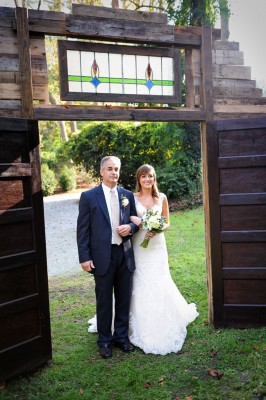 Country_Music_Singer_Emily_Hearn_Rustic_Country_Wedding_Stansberry_Photography_23-v
