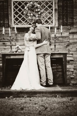 Country_Music_Singer_Emily_Hearn_Rustic_Country_Wedding_Stansberry_Photography_27-v