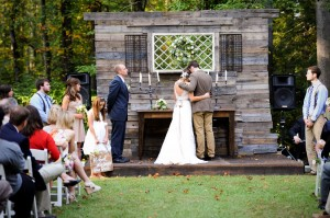 Country_Music_Singer_Emily_Hearn_Rustic_Country_Wedding_Stansberry_Photography_29-h
