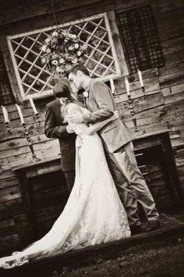 Country_Music_Singer_Emily_Hearn_Rustic_Country_Wedding_Stansberry_Photography_31-v