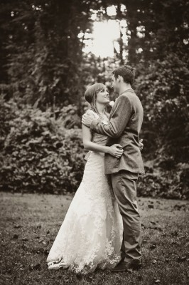 Country_Music_Singer_Emily_Hearn_Rustic_Country_Wedding_Stansberry_Photography_37-lv
