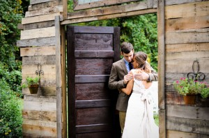 Country_Music_Singer_Emily_Hearn_Rustic_Country_Wedding_Stansberry_Photography_38-h