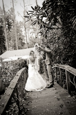 Country_Music_Singer_Emily_Hearn_Rustic_Country_Wedding_Stansberry_Photography_49-rv