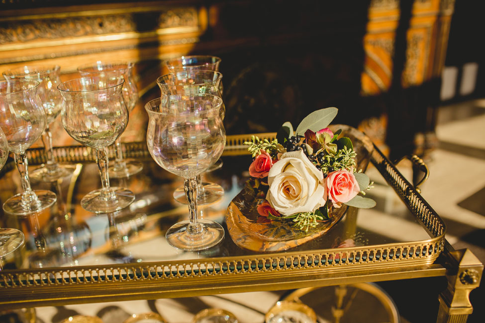 Chicago Loyola University Cuneo Mansion Echoes The Beauty Of A Roaring 20s Wedding | Photograph by Ingrid Bonne Photography  https://storyboardwedding.com/chicago-loyola-university-cuneo-mansion-roaring-20s-wedding/