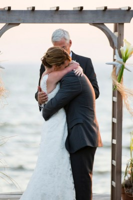 Silver_Swan_Bayside_Maryland_Wedding_Tori_Nefores_Photography_34-lv
