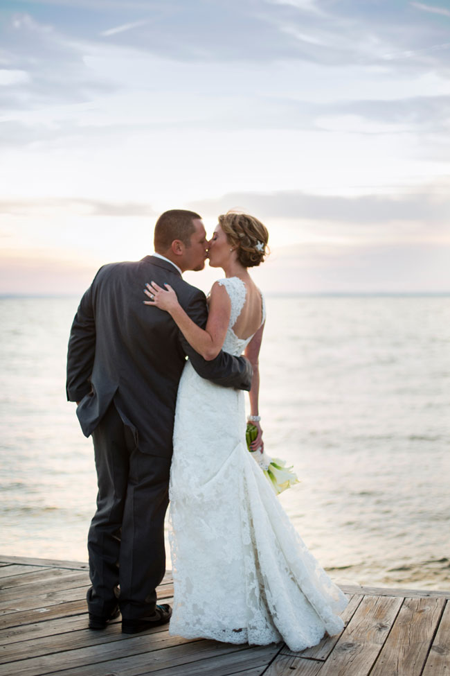 Classic Beach Chic Wedding In Mixed Ocean Hues Along The Chesapeake Bay | Photograph by Tori Nefores Photography  https://storyboardwedding.com/classic-beach-chic-wedding-mixed-ocean-hues-chesapeake-bay/