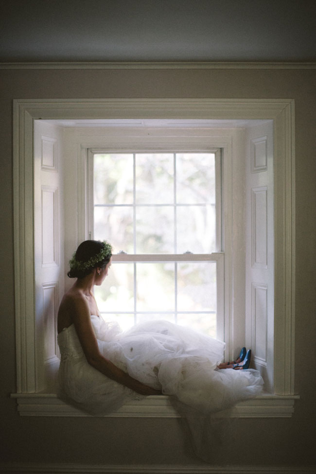 Intimate Wedding At The Sage Farmhouse With Free Spirit Sensibilities | Photograph by Peach Plum Pear Photo  http://storyboardwedding.com/intimate-wedding-sage-farmhouse-free-spirit-sensibilities/