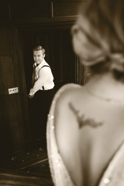 The Essence Of The Silent Movie Captured In This Woodhall Manor Engagement Session | Photograph by PJA Photography  http://storyboardwedding.com/silent-movie-woodhall-manor-engagement-session/