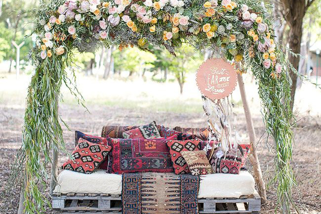 Why It Works Wednesday: The Bohemian Outdoor Palette Lounge
