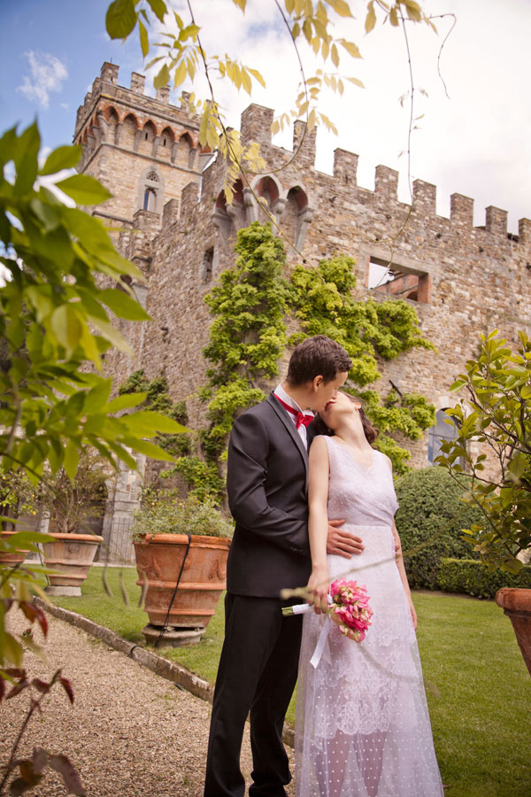 Romantic Luxury Italian Spring Wedding At The Gorgeous Vincigliata Castle | Photograph by Rosapaola Lucibelli  https://storyboardwedding.com/romantic-luxury-italian-spring-wedding-gorgeous-vincigliata-castle/