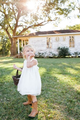 Private Residence Rustic Alabama Wedding On The Steps Of Great Great Grandads Porch | Photograph by Freshly Bold Photography  http://storyboardwedding.com/private-residence-rustic-alabama-wedding-steps-great-great-grandads-porch/