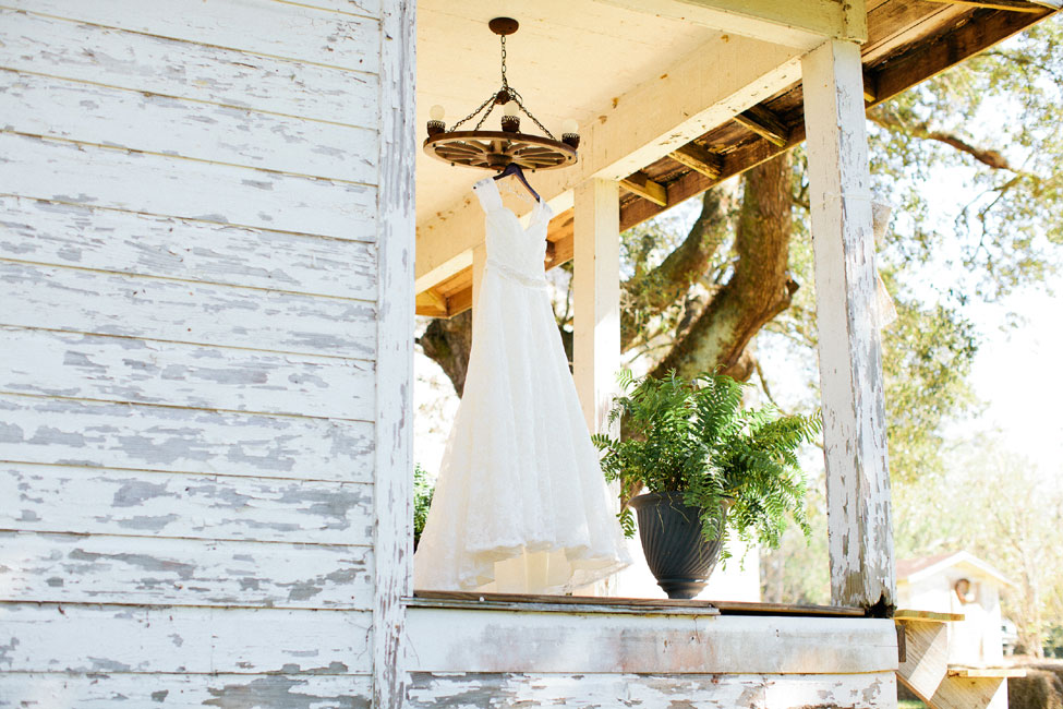 Private Residence Rustic Alabama Wedding On The Steps Of Great Great Grandads Porch | Photograph by Freshly Bold Photography  https://storyboardwedding.com/private-residence-rustic-alabama-wedding-steps-great-great-grandads-porch/