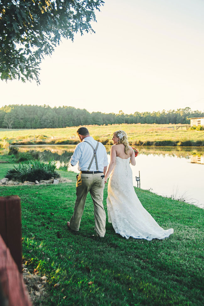 North Carolina Private Residence Country Wedding Among The Weeping Willows | Photograph by Connection Photography  http://storyboardwedding.com/north-carolina-private-residence-country-wedding-weeping-willows/
