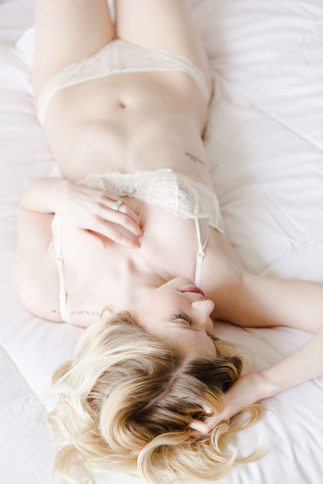 Alabaster Skin And Light Infused Studio Boudoir | Photograph by Stephanie Karen Photography  http://storyboardwedding.com/alabaster-skin-studio-boudoir/
