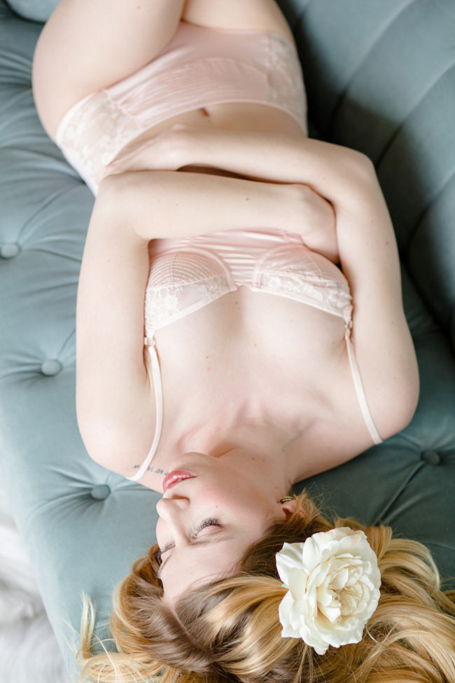 Alabaster Skin And Light Infused Studio Boudoir | Photograph by Stephanie Karen Photography  https://storyboardwedding.com/alabaster-skin-studio-boudoir/