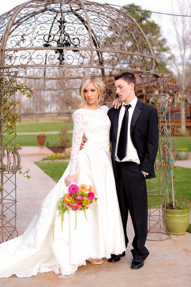 Long Sleeve Vintage Wedding Dress With Chic Rustic Touches At Centaur Arabian Farms Texas | Photograph by Photography by Gema  https://storyboardwedding.com/long-sleeve-vintage-wedding-dress-centaur-arabian-farms-texas/