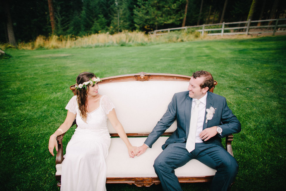 Free-Spirited Cle Elum Ranch Wedding With Vintage Detailing | Photograph by Ryan Flynn Photography  https://storyboardwedding.com/free-spirited-cle-elum-ranch-wedding-vintage/