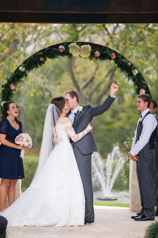 Traditional Texas Wedding On The Grounds Of Pecan Springs | Photograph by Rachel Whyte Photography  https://storyboardwedding.com/traditional-texas-wedding-pecan-springs/
