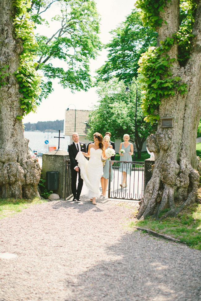 Classic Chic Swedish Summer Archipelago Wedding At Dalarö Skans | Photograph by 2 Brides Photography  http://storyboardwedding.com/classic-chic-swedish-summer-archipelago-wedding-dalaro-skans/