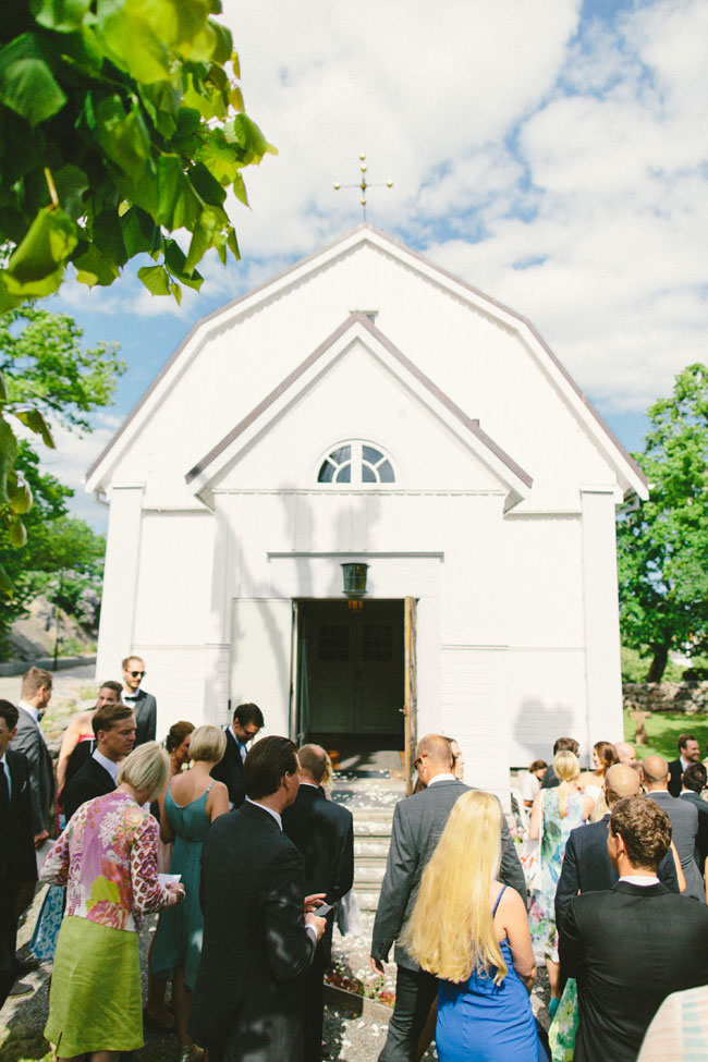 Classic Chic Swedish Summer Archipelago Wedding At Dalarö Skans | Photograph by 2 Brides Photography  https://storyboardwedding.com/classic-chic-swedish-summer-archipelago-wedding-dalaro-skans/