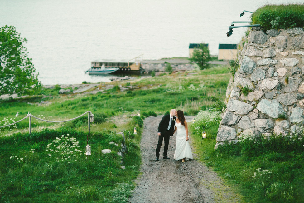Clic Chic Swedish Summer Archipelago Wedding At Dalarö Skans Photograph By 2 Brides Photography Http