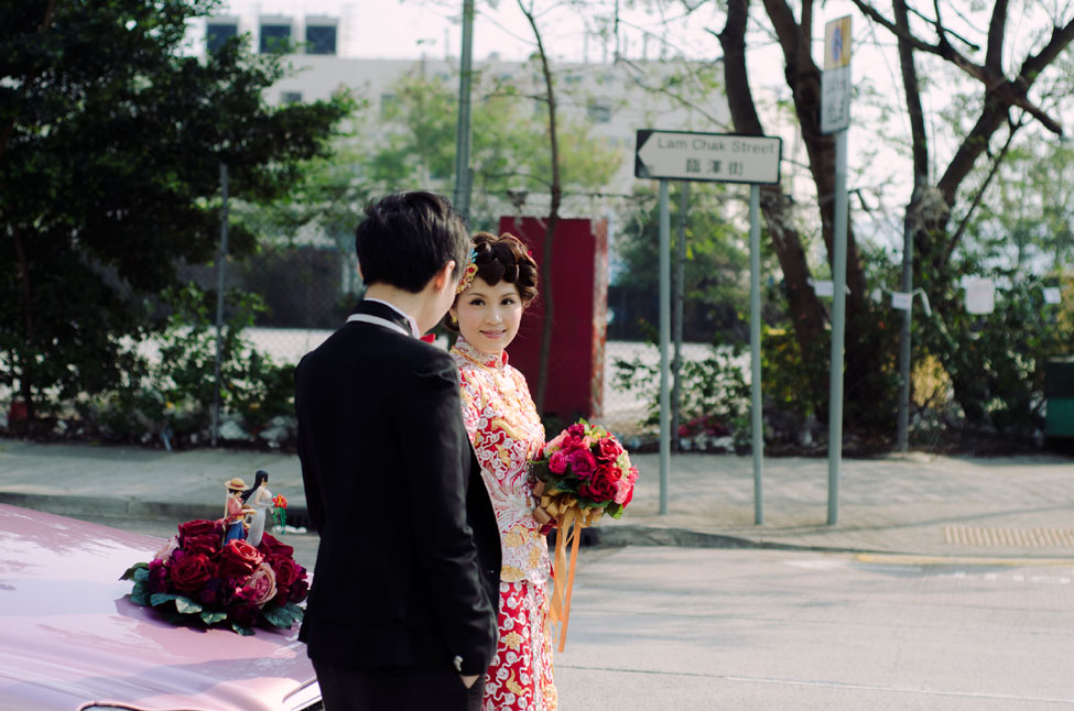 Young Love Hong Kong Wedding Featuring Mix Of Old Traditions & New Flavor | Photograph by Sophia Kwan Photography  https://storyboardwedding.com/young-love-hong-kong-wedding-old-traditions/