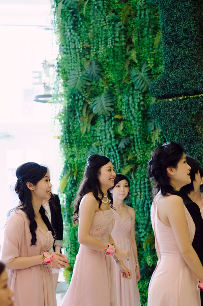Young Love Hong Kong Wedding Featuring Mix Of Old Traditions & New Flavor | Photograph by Sophia Kwan Photography  http://storyboardwedding.com/young-love-hong-kong-wedding-old-traditions/