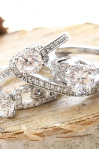 {Sponsored Love} 3 Crave Worthy Pave Diamond Engagement Rings That Wil...
