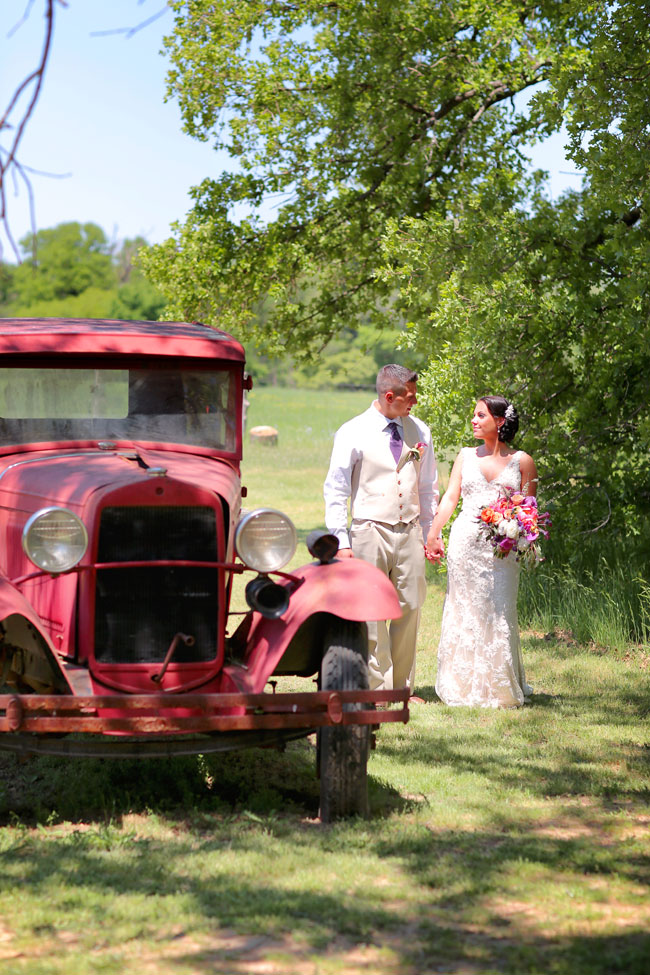 Texas Chic Rustic Country Bridals | Photograph by Photography by Gema  http://storyboardwedding.com/texas-chic-rustic-country-bridals/