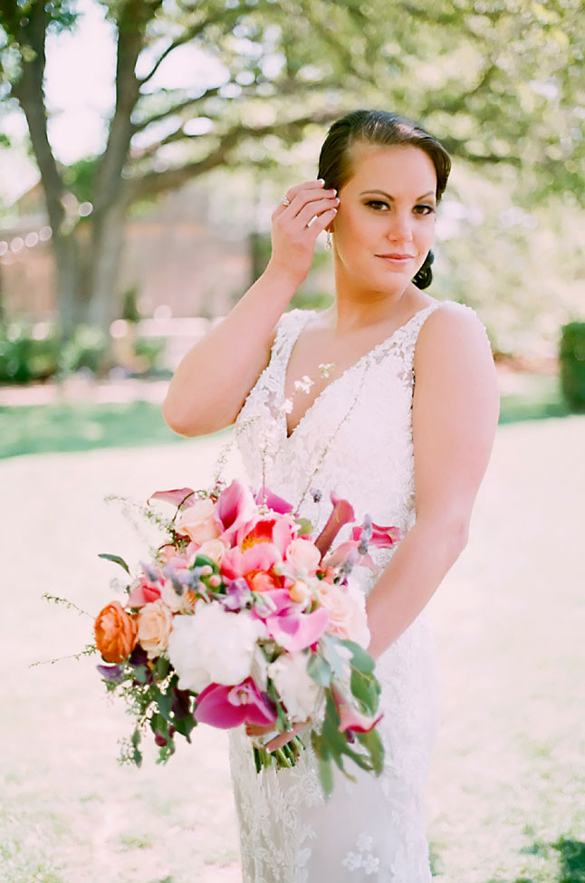 Texas Chic Rustic Country Bridals | Photograph by Photography by Gema  https://storyboardwedding.com/texas-chic-rustic-country-bridals/