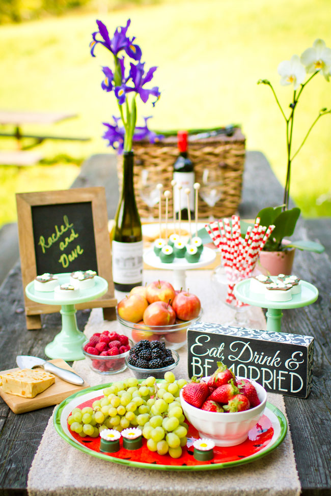 Sunshine Soaked Vintage Picnic Engagement Session In The Woods | Photograph by Angie Capri Photography  http://storyboardwedding.com/vintage-picnic-engagement-session/