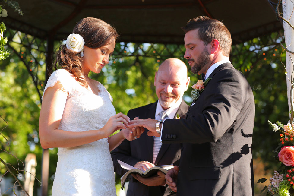 Rustic Formal Texas Wedding At Elmwood Gardens | Photograph by Photography by Gema
